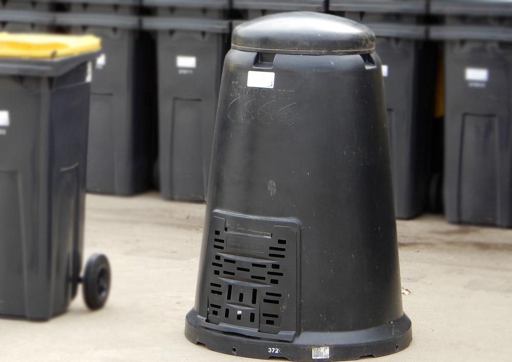 Lakossági szelektív-hulladékgyűjtő edényzetek kiszállítása
